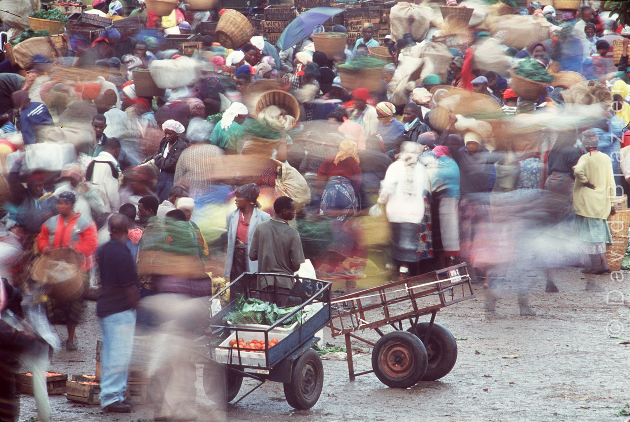 Colourful African market scene, Mbare, Harare